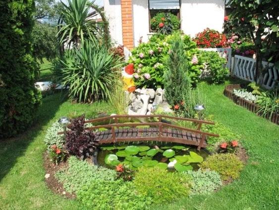 taman rumah minimalis di lombok