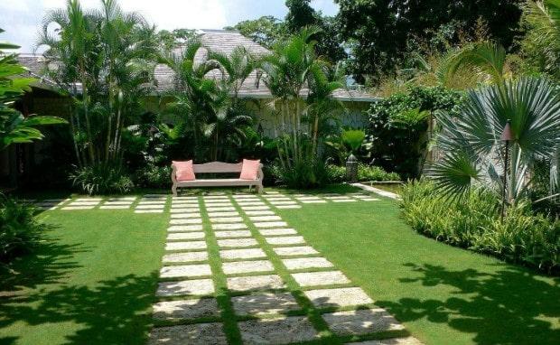 taman rumah minimalis modern lombok